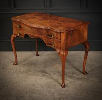 Queen Anne Style Shaped Walnut Dressing Table c.1920 (5 of 11)