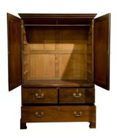 George III Linen Press (2 of 10)