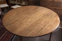 George III Red Walnut 'Virginia Walnut' Pad Foot Drop-Leaf Table (3 of 3)