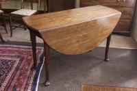 George III Red Walnut 'Virginia Walnut' Pad Foot Drop-Leaf Table (2 of 3)