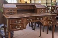 Beautiful Victorian Mahogany Writing Table (2 of 5)