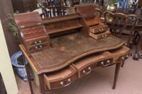 Beautiful Victorian Mahogany Writing Table (3 of 5)