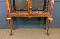 Queen Anne Style Burr Walnut Display Cabinet c.1920 (4 of 14)