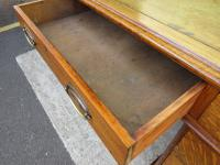 Victorian Leather-Topped Golden Oak Pedestal Desk (4 of 7)