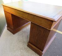 Victorian Leather-Topped Golden Oak Pedestal Desk (7 of 7)