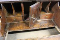 Early 18th Century Oak Bureau. Small Size, Step & Well Interior C.1725 (6 of 13)