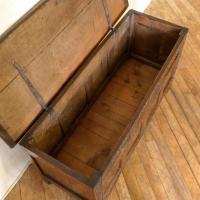 17th Century Oak Coffer (8 of 10)