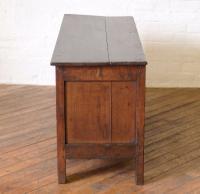17th Century Oak Coffer (4 of 10)
