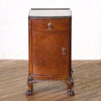 Pair of Queen Anne Style Bedside Cabinets (15 of 18)