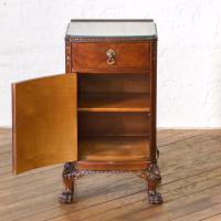 Pair of Queen Anne Style Bedside Cabinets (14 of 18)
