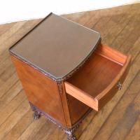 Pair of Queen Anne Style Bedside Cabinets (13 of 18)