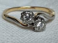 Vintage 18ct Gold Twins Diamonds Ring 2 G Size J & 1/2 'US 5'
