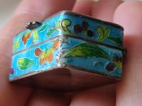 Antique Chinese Enamel Solid Silver Pill Box with Shrimp (4 of 12)