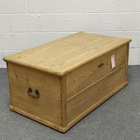 Old Pine Blanket Chest c.1880 (4 of 7)