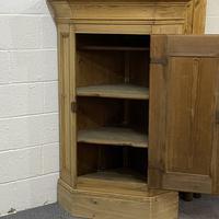 Large Very Old Pine Floor Standing Corner Cupboard (2 of 7)