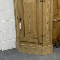 Large Very Old Pine Floor Standing Corner Cupboard (4 of 7)