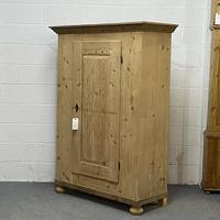 Very Old Pine Armoire / Childs Wardrobe (4 of 8)