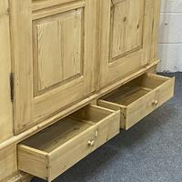 Antique Double Pine Wardrobe with Bottom Drawers 'Dismantles' (7 of 8)