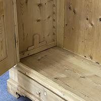 Antique Double Pine Wardrobe with Bottom Drawers 'Dismantles' (8 of 8)