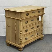 4 Drawer Antique Pine Chest of Drawers (3 of 6)