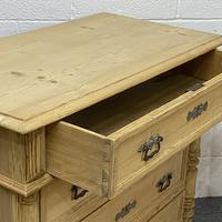 4 Drawer Antique Pine Chest of Drawers (4 of 6)