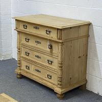 4 Drawer Antique Pine Chest of Drawers (2 of 6)