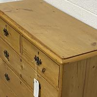 English Victorian Pine Chest of Drawers (4 of 6)