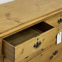 English Victorian Pine Chest of Drawers (5 of 6)