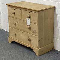 Small Old English Pine Chest of Drawers (2 of 5)
