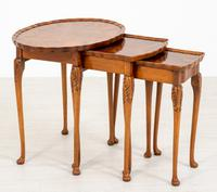 Queen Anne Style Nest of 3 Walnut Tables c.1920 (2 of 9)