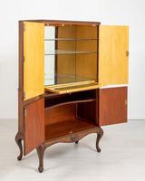 Walnut Queen Anne Style Drinks Cabinet (7 of 9)