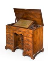 Chippendale Period Kneehole Desk / Dressing Table C.1770