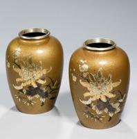 Pair of Japanese 19th Century Bronze Vases (2 of 5)
