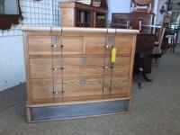 Oak Chest of Drawers (2 of 6)
