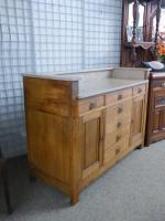 Arts & Crafts Sideboard (6 of 6)