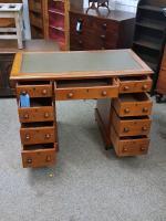 Small Victorian Desk (4 of 5)