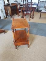 Small Victorian Table (5 of 5)