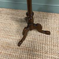 Beautifully Figured Victorian Walnut Antique Occasional Table (5 of 7)