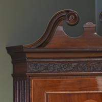 Elegant Georgian Figured Mahogany Antique Corner Cupboard on Stand (4 of 8)