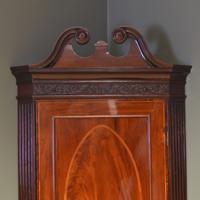 Elegant Georgian Figured Mahogany Antique Corner Cupboard on Stand (3 of 8)