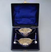 Cased Pair of Victorian Silver  Salts by Spurrier & Co, Birmingham 1900