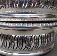 Superb Pair of Mid 20th Century Solid Silver Wine Coasters by Mappin & Webb, Birmingham 1968 (6 of 8)
