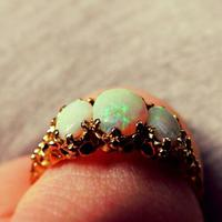 Beautiful 10ct Opal Doublet Ring. Size Q. Stone
