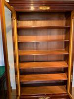 Bookcase (5 of 10)