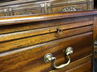 Small Mahogany Chest of Drawers (2 of 10)