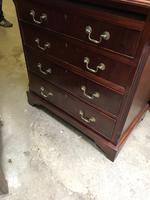 Small Mahogany Chest of Drawers (7 of 10)