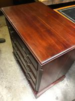 Small Mahogany Chest of Drawers (3 of 10)