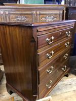 Good Mahogany Chest of Drawers (5 of 7)