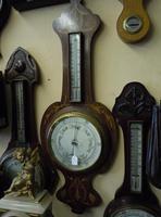 images/d000335/items/48461/inlaidedwbarometer2.PNG