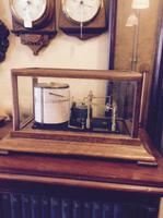 images/d000335/items/48464/Antiquemahoganyearly20centurybarograph4.PNG